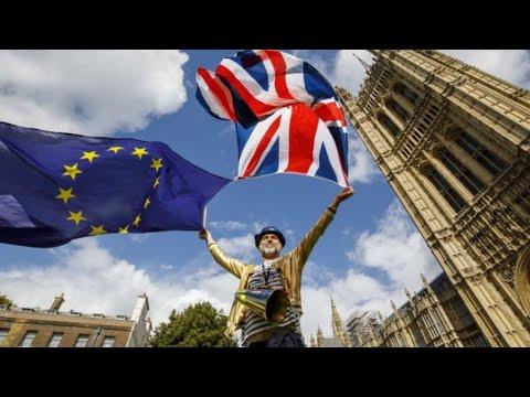 Brexit: UK lawmakers back EU withdrawal bill