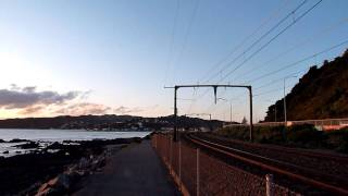 =Evening Kapiti Line= NZ Railway EM Class 夕方のカピティ線