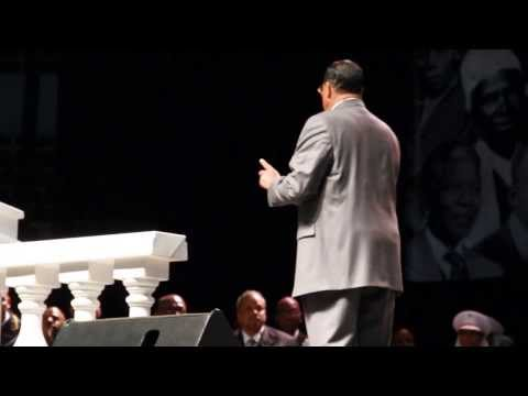 The Honorable Minister Louis Farrakhan live in Detroit Saviors Day 2014