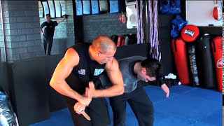 Extremely brutal knife defense..not for the faint hearted!