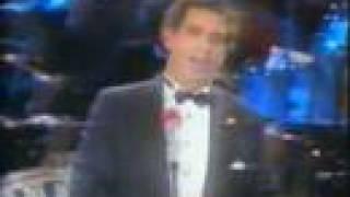 Placido Domingo sings Wien, Wien, nur du allein