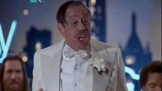 Repeat youtube video Blues Brothers - Minnie the Moocher (Cab Calloway)