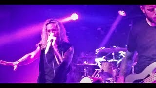 Underoath- Breathing In A New Mentality LIVE