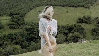 Смотреть клип Tei Shi - See Me