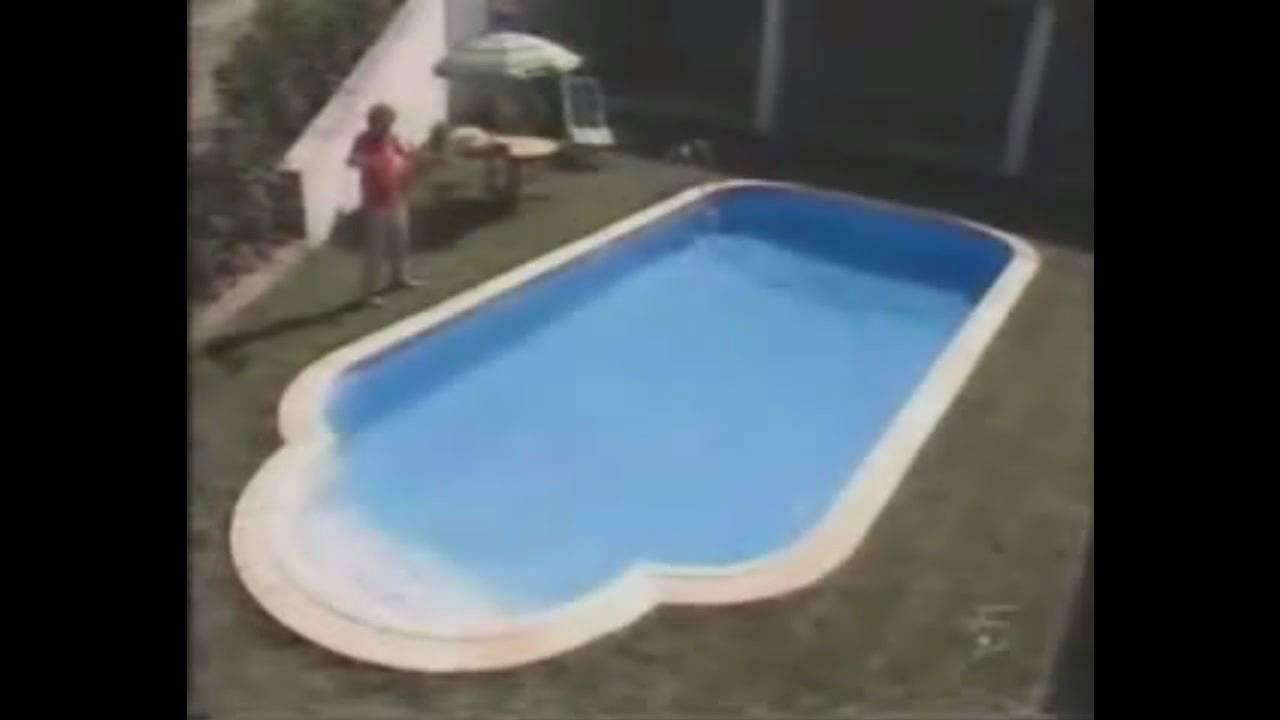 Bricomania como hacer una piscina youtube for Bricomania piscina