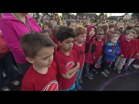 Portland elementary students create unity rainbow