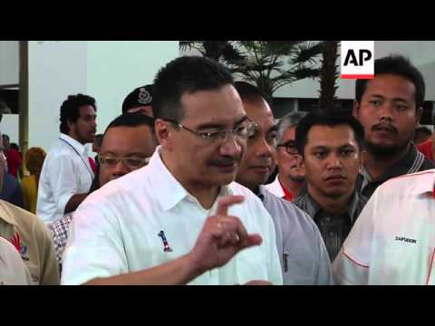 Malaysian defence minister comments on underwater search for MH370