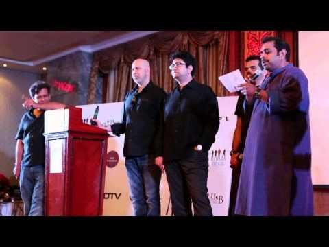 Shankar Mahadevan performs Bolo Na