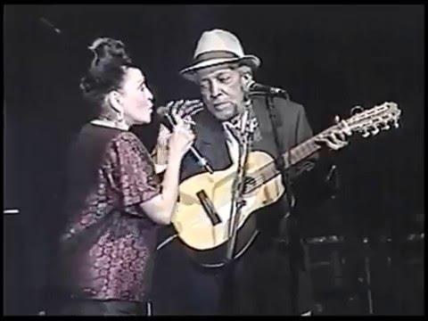 Veinte Años - Omara Portuondo y Compay Segundo ao vivo (Com Letra)