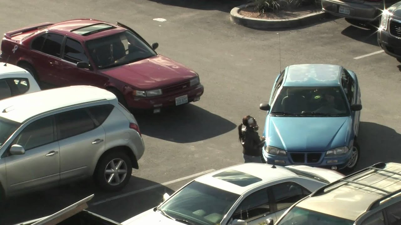 3 Grown Women 1 Parking Spot At The Mall Mov Youtube