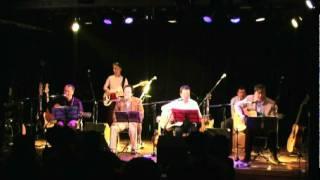2009年11月表参道「ラパン・エアロ」。SFSCの先輩達のライブに参加さ...