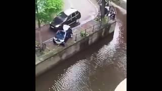 Sopir Mabuk - Sudah Nabrak Mobil Sampai Nyebur Sungai, Malahan Kabur!!!