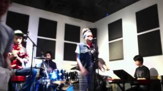Kehlani Parrish and Contraband..rehearsal....Maroon 5