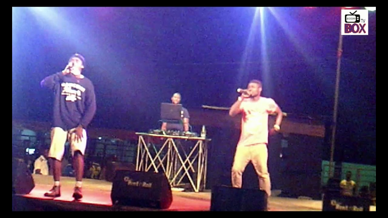 [Calabar Festival 2017] Unbeliveable!!! This unkown artist told Okpo Record  F*uck_You live on stage