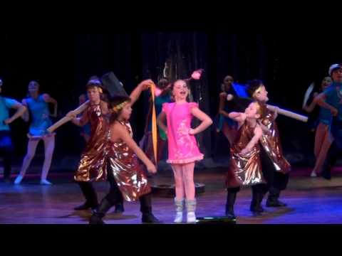 видео: Детский мюзик-холл Чингыли - Во кузнице