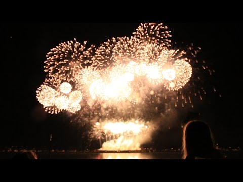 Vancouver Celebration of Lights Fireworks 2016 w/ Music!!  (Australia)