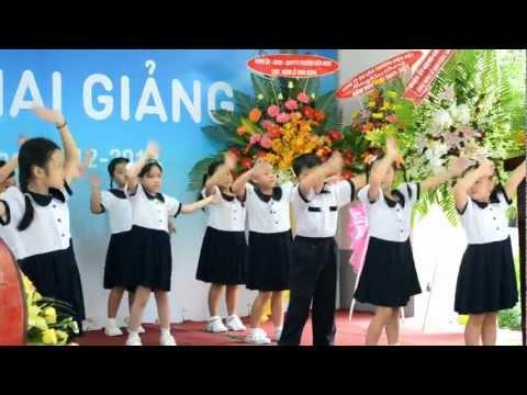 """Múa """" Bài ca đi học"""" - Le Khai Giang truong Nguyen Binh Khiem.MOV"""