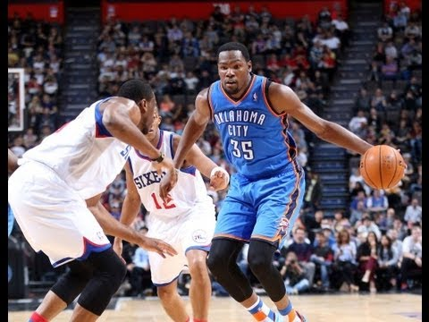 Kevin Durant Posts a Double-Double in Manchester!