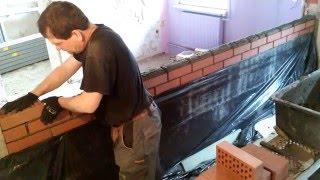 Wiesiek muruje ściany z klinkieru superszybkim sposobem