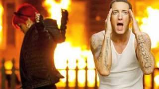 Love The Way You Lie (PART 2) - Rihanna feat. Eminem ! NEW 2010