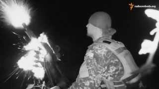 Пески: на линии фронта(Украинские войска держат оборону в поселке Пески близ Донецка. Их позиции обстреливают из минометов и круп..., 2015-08-19T10:13:37.000Z)