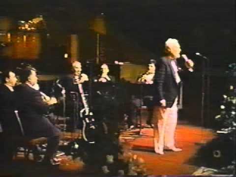 Armenian Song  Yes Im Anush Hayasdani (Hovhannes Badalian Live).mpg