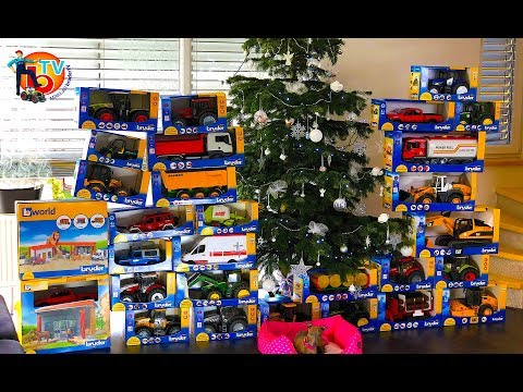 TRUCKs TRAKTOR for kids! | Merry Christmas | BRUDER Toys