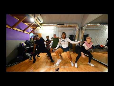 Castro - She dey do me Dance with Fumy class