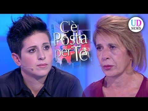 C'è Posta Per Te: la figlia chiude la busta alla madre, ma la verità è sconvolgente!