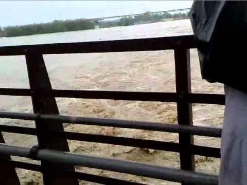 Nowshera (Red Bridge) Flood Video