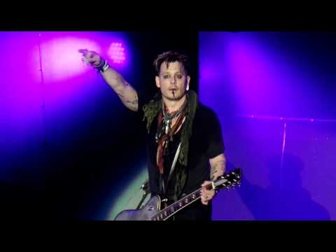 Hollywood Vampires - My Dead Drunk Friends (Live At Rock in Rio 2016)