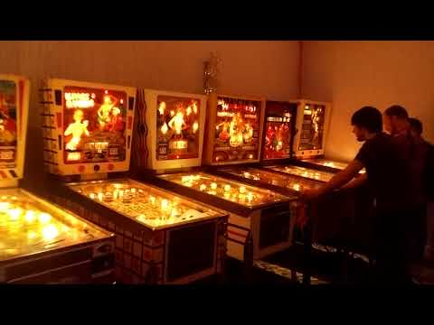Vancouver Flipout! Pinball Expo Free Play Room