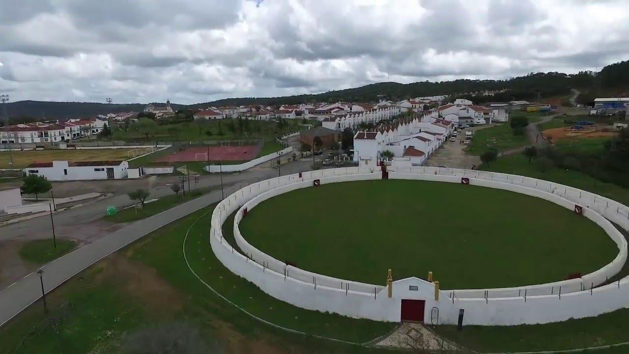 Vuelo En La Plaza De Toros De Campofrio Huelva