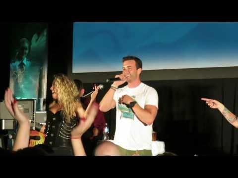 SPN Pitt Con 2016 - Karaoke - Gil McKinney sings I'm the Man
