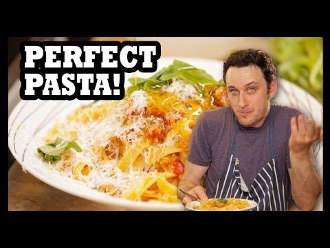 Get Schooled in Proper Pasta Bolognese! - Food Feeder