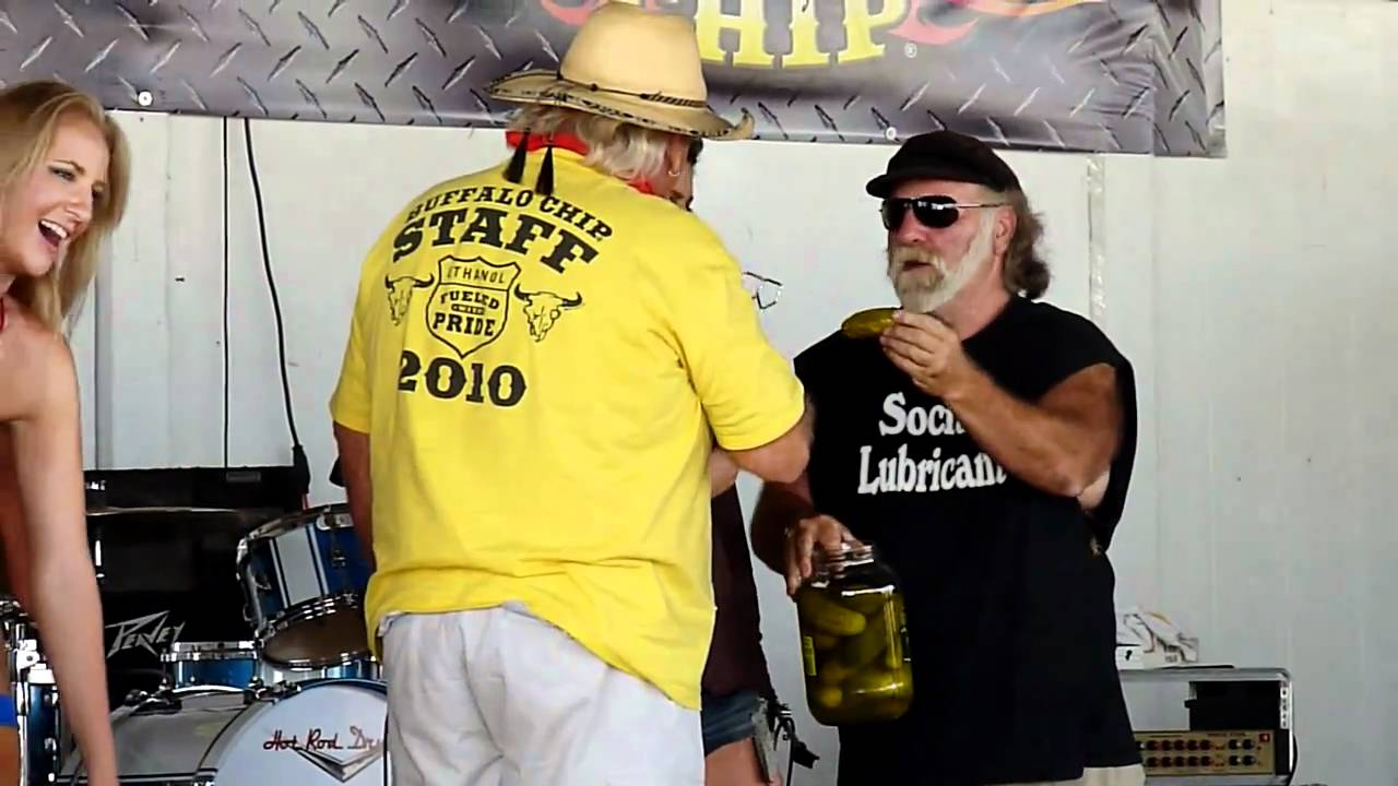 09df76cb pickle licking at the buffalo chip sturgis 2010, high def - YouTube