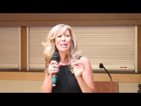 Colleen Patrick-Goudreau: Vegan Myths, Nutrients, & Giving up Cheese