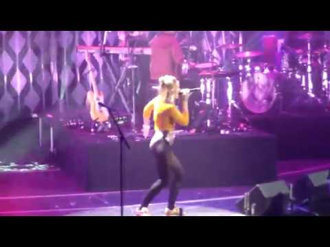 Tove Lo~ Talking Body (Philly Jingle Ball) thumbnail