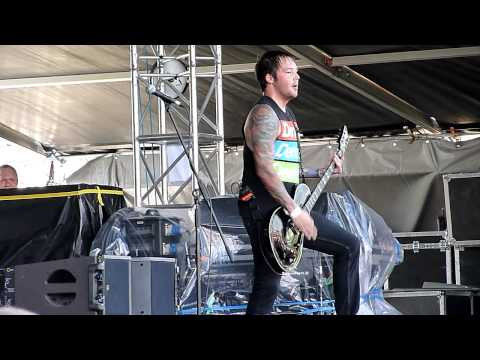 The Ghost Inside - Greater Distance (live @ Hradec Králové - Rock For People = 05-07-11) mp3