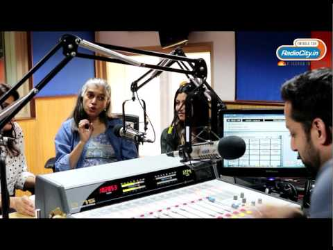 Why does Ratna Pathak Shah feel that fan adulation is dangerous