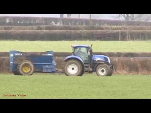 Spreading with West - New Holland Action.