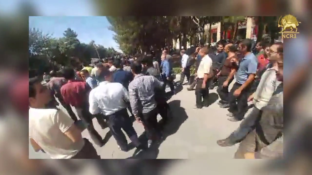 "ISFAHAN, central #Iran,  July 31, 2018. Protesters are chanting: ""Death to unemployment"""