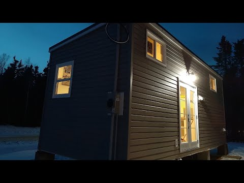 Indigenous tiny-home builders hope to solve housing crisis