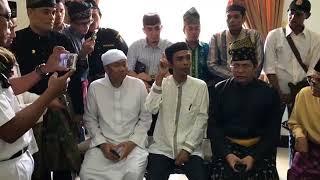 Download Video Diusir dari Bali  !! Inilah Tanggapan Ust Abdul Shomad Bersama Dewan Adat Melayu Riau MP3 3GP MP4