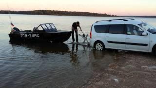Подъём лодки из воды на Lada Largus