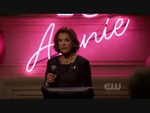 90210: Tabitha Singing Karaoke (S01E10)