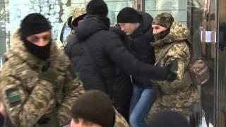 Правоохранители опечатали двери магазина «Symbol» в Харькове(Сюжет на телеканале