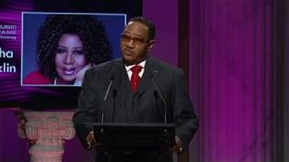 Aretha Franklin Inducted Into GMA Gospel Music Hall of Fame (2012)