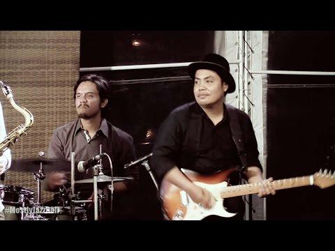 Indra Lesmana & Friends ft. Sandhy Sondoro - Superstar @ Mostly Jazz in Bali 11/09/2016 [HD]