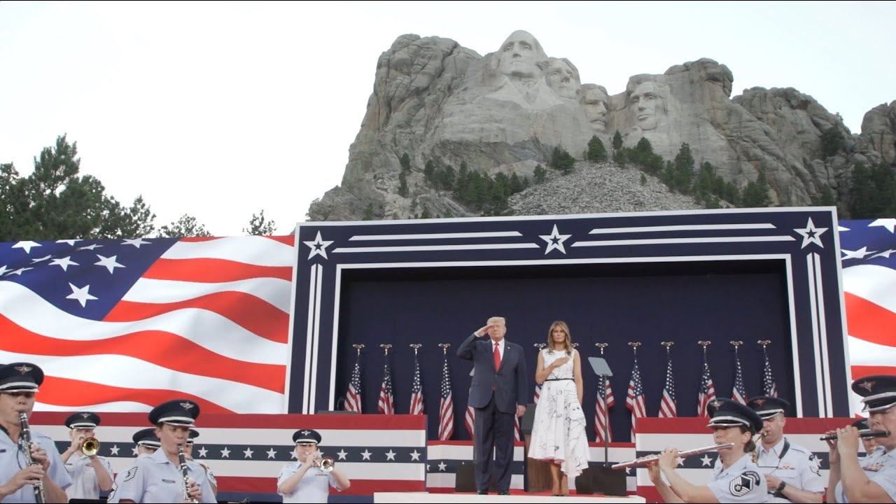 The President and First Lady Visit Mt. Rushmore